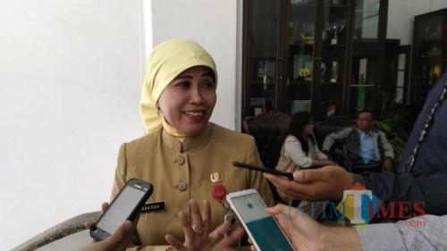 Kepala Dinas Pendidikan Kota Malang, Zubaidah (NurlyLa Ratri/MalangTIMES).