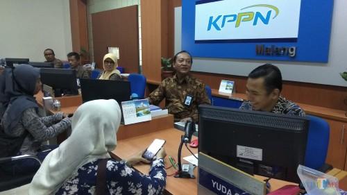 Ilustrasi pelayanan di KPPN Malang. (Foto: Nurlayla Ratri/MalangTIMES)