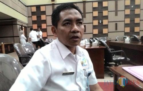 Kepala Bappeda Kabupaten Malang Tomie Herawanto menyatakan pelaksanaan dua megaproyek menanti pusat.(Nana)