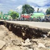 Bau Menebar di Alun-Alun Batu akibat Saluran Tersumbat Sampah, Pemkot Bangun Gorong-Gorong