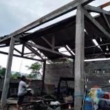 Bengkel di desa Tanggung Kecamatan Campurdarat mengalami rusak di sapu puting beliung / Foto : Istimewa / Tulungagung TIMES