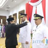Wali Kota dan Wakil Wali Kota Probolinggo, Hadi Zainal Abidin dan Soufis Subri, dilantik Gubernur Jatim Soekarwo, Rabu (30/1/2019)