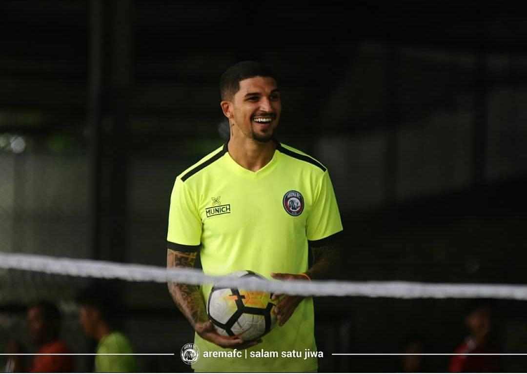 Stopper asing Arema FC Arthur Cunha. (official Arema FC)