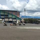 Puluhan bikers saat menjajal sirkuit balap di halaman Stadion Kanjuruhan, Kabupaten Malang (Foto : Ashaq Lupito / MalangTIMES)