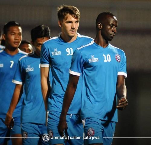 Makan Konate (paling depan) playmaker andalan Arema FC (official Arema FC)