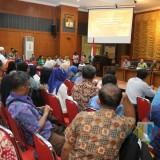 Pemkot Surabaya ketika mengumpulkan pedagang kelontong, Rabu (6/2/2019)