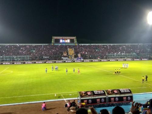 Ilustrasi saat Aremania penuhi Stadion Kanjuruhan (Hendra Saputra)