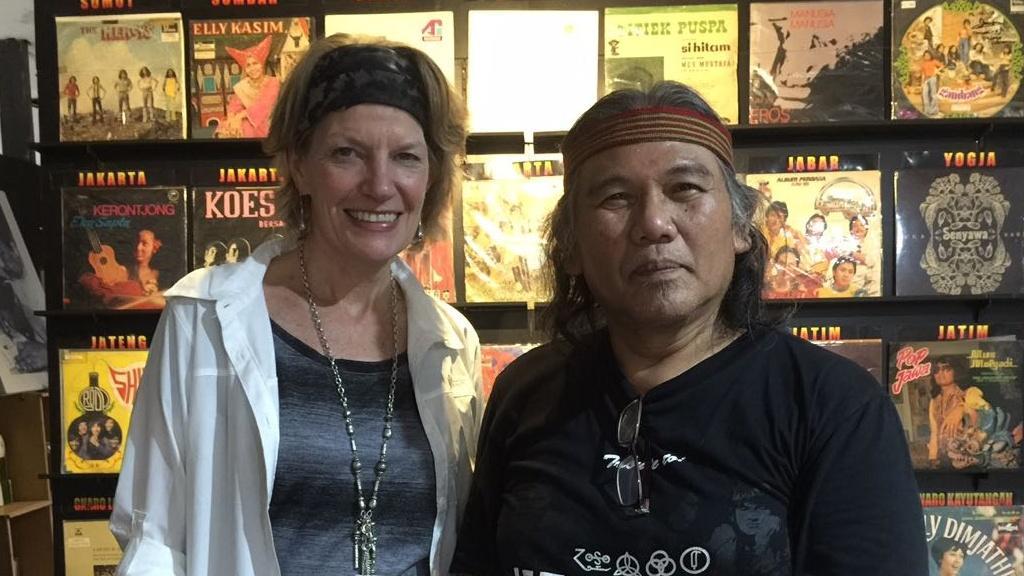 Hengky Herwanto (kanan) , ketua Museum Musik Indonesia (foto Museum Musik Indonesia)