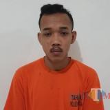 Reza Wijaya alias Mince, pengedar pil trex yang kini ngandang di Rutan Mapolsek Muncar.
