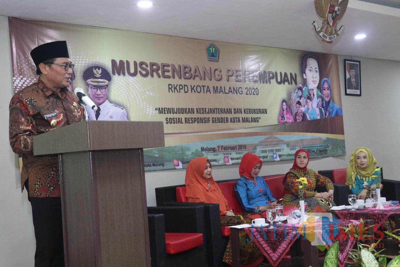 Wakil Wali Kota Malang Sofyan Edi Jarwoko saat membuka kegiatan Musrenbang Perempuan RKPD 2020 Kota Malang.  (Foto: Dokumen MalangTIMES)