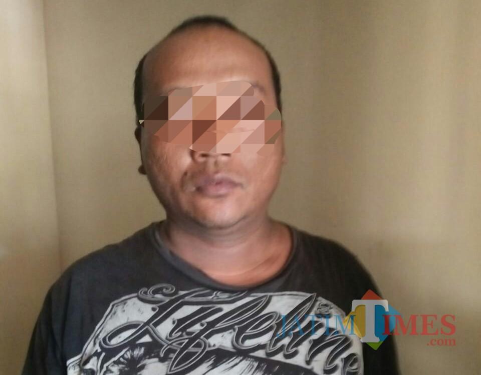 Pujiono saat diamankan di Mapolsek Besuki Tulungagung (Foto : Dokpol/ TulungagungTIMES)