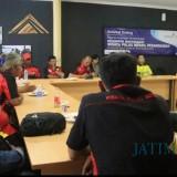 Suasana ketika Pokmas Wisata Pulau Merah berkunjung dan diskusi di PT BSI Pesanggaran