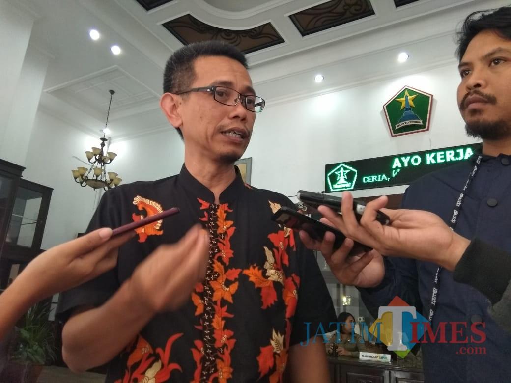 Presidium KAHMI Malang Luthfi J. Kurniawan saat ditemui di Balai Kota Malang. (Foto: Nurlayla Ratri/MalangTIMES)