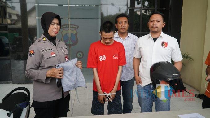 Polrestabes Surabaya saat merilis pelaku.