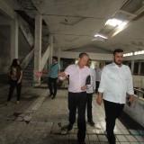Wali Kota Habib Hadi saat meninjau Plaza Probolinggo didampingi Alexander, kuasa hukum PT Avila Prima.  (Agus Salam/Jatim TIMES)