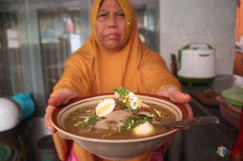 Menu Soto daging Rahayu yang legendaris sejak 1928 ( foto - foto Luqmanul Hakim/Malang Times)