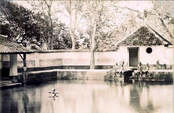 Sumber Air Wendit tempo dulu di Kabupaten Malang yang terus berpolemik sampai saat ini. (pinterest)