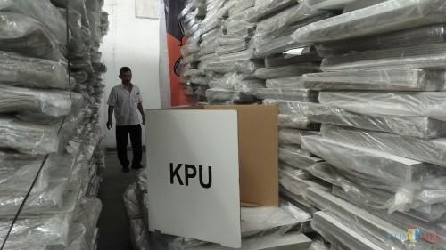 Ilustrasi, sejumlah logistik pemilu berupa bilik suara di gudang milik KPU Kota Malang. (Foto: Nurlayla Ratri/MalangTIMES)