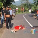 Kondisi korban saat masih di jalan akibat laka tunggal/ Foto : Dokpol / Tulungagung TIMES