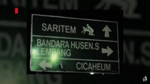 Papan penunjuk arah ke Saritem. Dulunya merupakan salah satu tempat lokalisasi di Bandung.