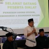 Wali Kota Malang Sutiaji (berdiri). (Humas Pemkot Malang for MalangTIMES).