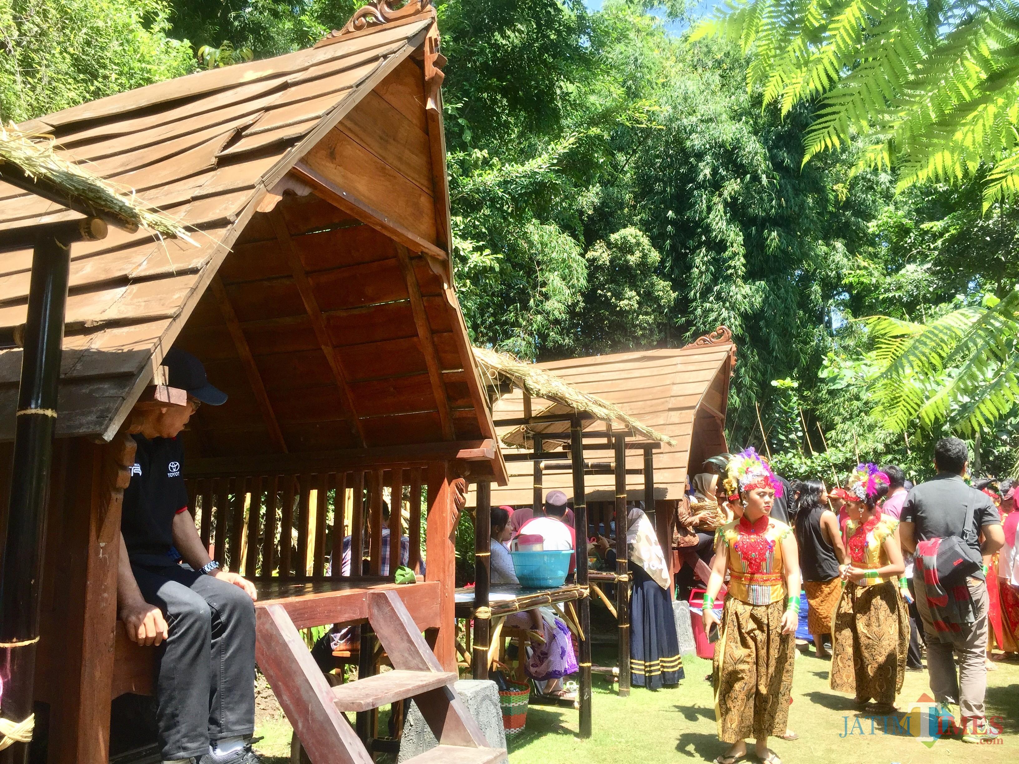 Area Pasar Andong Jajanan Tempoe Doloe di Kampoeng De Berran,di Dusun Gondorejo, Desa Oro-Oro Ombo, Kecamatan Batu. (Foto: Irsya Richa/MalangTIMES)