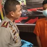 Kapolres Tulungagung AKBP Tofik Sukendar saat tanyakan motif pelaku. (foto :  joko pramono/jatimtimes)
