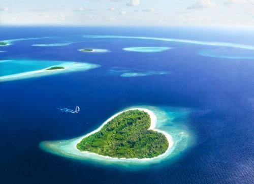 Pulau Tupai berbentuk hati terletak di Prancis. (Ist)