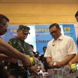 Kepala Bea Cukai Blitar dan Forkopimda Tulungagung lakukan pemusnahan barang bukti hasil penindakan bea cukai (foto: Joko Pramono/JatimTIMES)