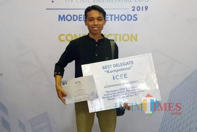 Mahasiswa Unisba Blitar Arif Budairi raih predikat delegasi terbaik kategori kompetensi di ICEE 2019