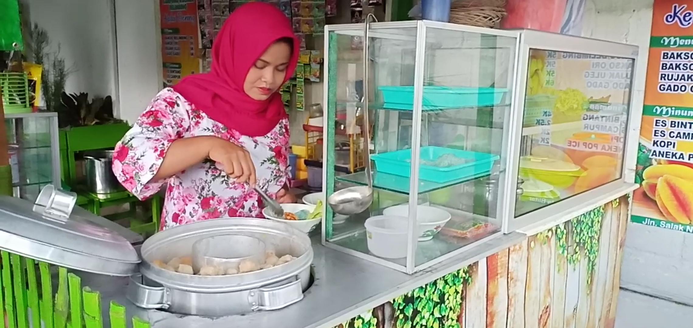 Kedai bakso belimbing di Agro Wisata Belimbing Karangsari.(Ist)