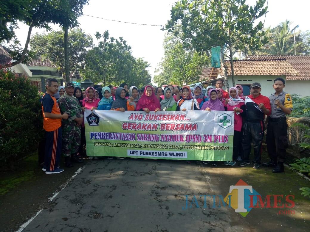 Giat PSN yang dilaksanakan tiga pilar Kelurahan Klemunan dan masyarakat.(Foto : Team BlitarTIMES)