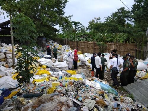 Ilustrasi tempat limbah medis yang disegel oleh Kementerian Lingkungan Hidup dan Kehutanan.(Ist)