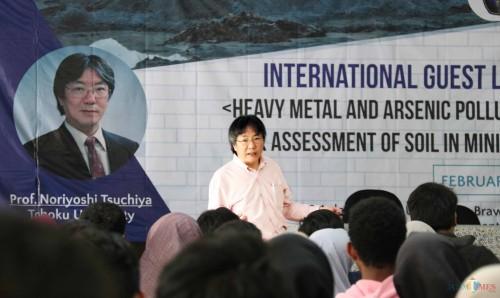 Prof. Noriyashi Tsuchiya dari Graduate School of Environmental Studies, Tohoku University Jepang (Foto: Humas)