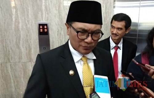 Wakil Wali Kota Malang Sofyan Edi Jarwoko saat menemui awak media di gedung DPRD Kota Malang. (Foto: Nurlayla Ratri/MalangTIMES)