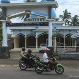 Masjid Nurul Yaqin, tempat dimana lokasi pencurian sepeda motor terjadi, Kecamatan Kepanjen  (Foto : Ashaq Lupito / MalangTIMES)