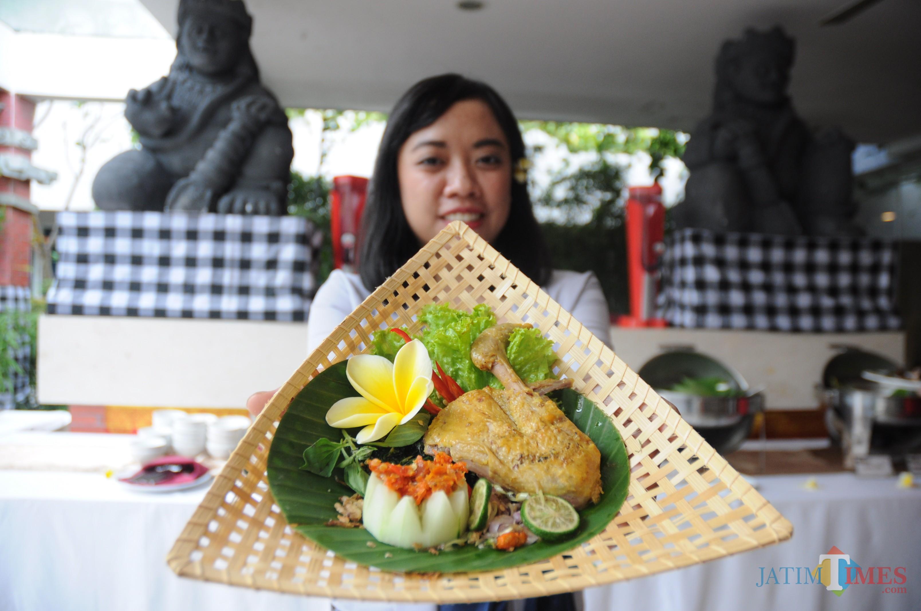 menu bebek betutu basah dari Kintamani Terrace Hotel Swiss-Belinn