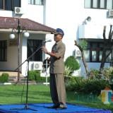 Ir. Paiman, Kepala Dinas Ketahanan Pangan Lumajang ketika memimpin ucapara senin pagi (Foto : Moch. R. Abdul Fatah / Jatim TIMES)