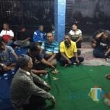 Peserta Rapat pemilihan ketua P-PKL di rumah Alif  (Agus Salam/Jatim TIMES)