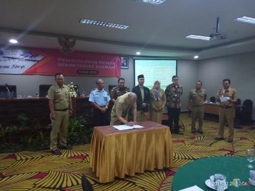 Suasana Kegiatan Penyempurnaan Rancangan Awal Remaja 2020 Sekretariat Daerah Kota Malang (Anggara Sudiongko/MalangTIMES)