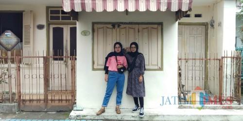 Ilustrasi, wisatawan tengah berfoto di ruko-ruko di Jalan Basuki Rahmat yang akan dijadikan kawasan Kayutangan Heritage, Kota Malang. (Foto: Dokumen MalangTIMES)