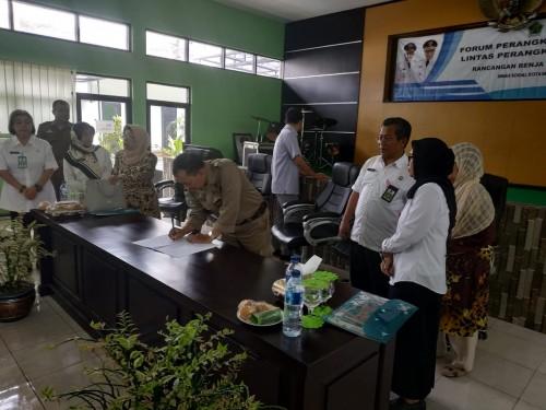 Penandatanganan hasil renja Dinsos Kota Malang, Rabu (27/2/2019)