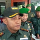 Danrem 082/CPYJ Mojokerto Kolonel Arm Ruly Candayadi saat memberikan keterangan kepada awak media. (eko Arif s /JatimTimes)