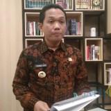 Bupati Lumajang H. Thoriqul Haq dalam jumpa pers sore ini. (Foto : Moch. R. Abdul Fatah / Jatim TIMES)