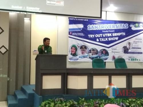 Owner Bimbel Ilhami Suluh Wahyu Pambudi (Foto: Imarotul Izzah/MalangTIMES)