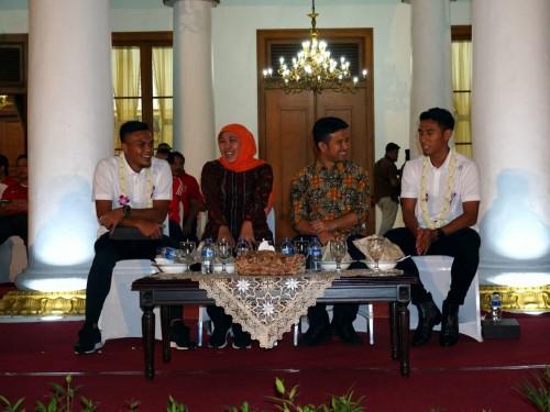 Gubernur ajak Bonek dan Aremania berdamai