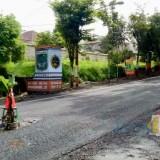 Pohon Pisang Ditanam di Tengah Jalan Berlubang, Pemkot Batu Segera Lakukan Tutup Lubang
