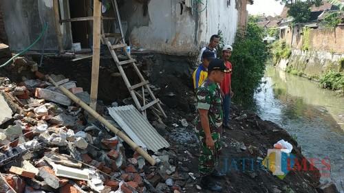 Salah satu kejadian tanah longsor di Kelurahan Bunulrejo, Kota Malang (Foto: Dokumen MalangTIMES)