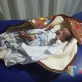 Bayi berjenis laki-laki yang dibuang saat menjalani perawatan di RS. (eko Arif s /JatimTimes)