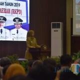Bupati Jember dr.Hj. Faida MMR saat membuka rapat Forum Perangkat Daerah di Pendpo Pemkab Jember (foto : Moh. Ali Makrus / Jatim TIMES)
